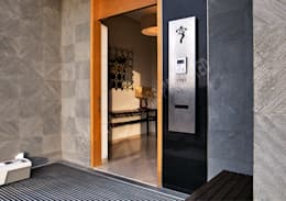Residence at Pune:  Corridor & hallway by Racheta Interiors Pvt Limited