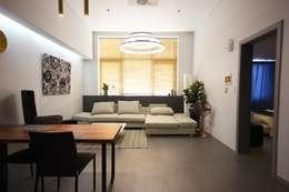 Livings de estilo moderno por homelatte