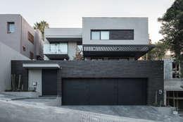 房子 by Rousseau Arquitectos