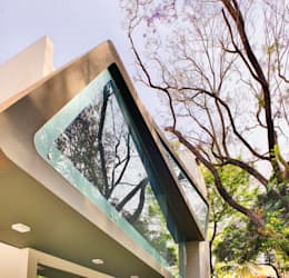 Mobius Home: modern Houses by Architecture Continuous