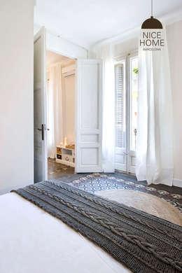 Projekty,  Korytarz, przedpokój zaprojektowane przez Nice home barcelona