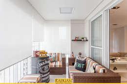 Sacada: Terraços  por Raduan Arquitetura e Interiores