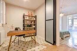 Studio in stile in stile Moderno di Markham Stagers