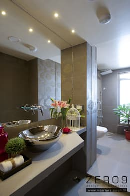 bathroom: modern Bathroom by ZERO9