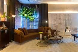 Salas de estilo moderno por Rodrigo Maia Arquitetura + Design