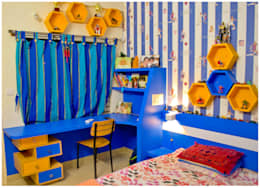 Kid's room study unit  : modern Bedroom by Space Collage
