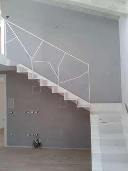 Escaleras de estilo  por Chendù