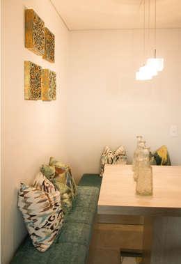 APARTAMENTO MODELO : Comedores de estilo ecléctico por Aluzina