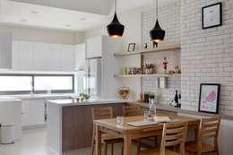 喜悅:  餐廳 by 裏築空間設計 Lizhu Design