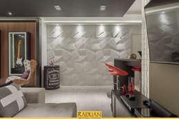 Detalhe Revestimento: Paredes  por Raduan Arquitetura e Interiores