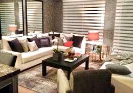 Salas de estar modernas por MIRIAM ESCOBEDO INTERIORISTA