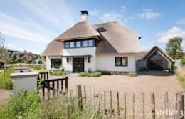 Projekty, wiejskie Domy zaprojektowane przez Architectenbureau Atelier3