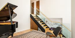 Avenue Road Residence:  Stairs by Flynn Architect