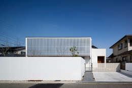 松原の家: 吉川弥志設計工房が手掛けた一戸建て住宅です。