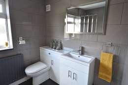 Baños de estilo moderno por Kerry Holden Interiors