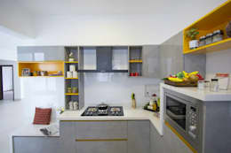 Embassy Pristine - Model Flat Kitchen:  Kitchen units by Renovatio Interio