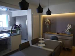 SALLE A MANGER: Salle à manger de style de style Moderne par BRUNO BINI