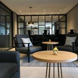 Salon VIP: Salas de estilo moderno por Ecologik