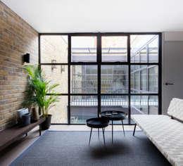 Farlow House: modern Kitchen by Kitchen Architecture