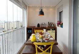 Apartamento Aclimação: Terraços  por NOMA ESTUDIO