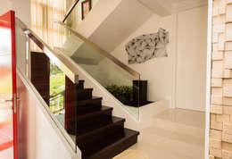 Tagaytay Southridge Estates:  Stairs by TG Designing Corner