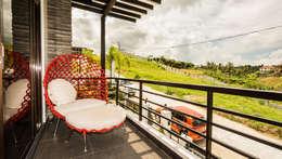 Tagaytay Southridge Estates:  Terrace by TG Designing Corner
