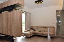 雲林高鐵透天住宅設計:  臥室 by Gavin室內裝修設計