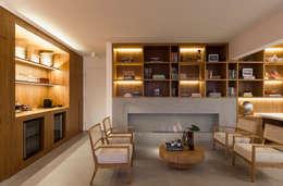 Apartamento Portugal: Salas de estar minimalistas por GDL Arquitetura