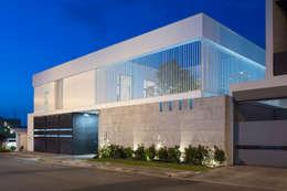 Casa del Tec, Residencia Ithualli: Casas de estilo moderno por IAARQ (Ibarra Aragón Arquitectura SC)