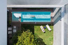 Casa del Tec, Residencia Ithualli: Jardines de estilo moderno por IAARQ (Ibarra Aragón Arquitectura SC)
