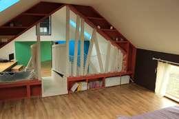 애월읍 어음리 목조주택: 쉬폰의  방
