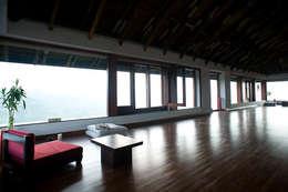 The Meditation hall:  Electronics by Mu design