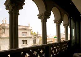 arcos ventanales originales: Escaleras de estilo  de projectelab