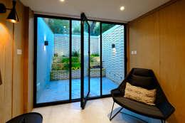 أبواب تنفيذ IQ Glass UK