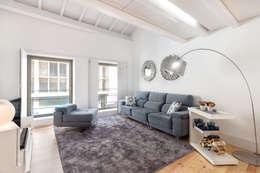 Apartamento T2 | Alojamento Local: Salas de estar modernas por João Boullosa