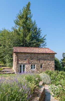Casas campestres de estilo  por Andrea Chiesa è Progetto Immagine