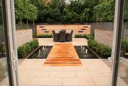 Garden Design - Cheshire: modern Garden by Hannah Collins Garden Design