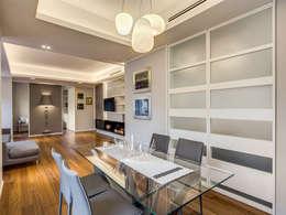 Salas de jantar modernas por MOB ARCHITECTS