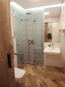 Casas de banho ecléticas por NaNovo