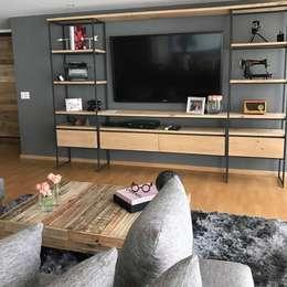 Espacio Franko & Co.: Salas de estilo industrial por Franko & Co.