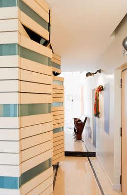 Ingresso-corridoio: Ingresso & Corridoio in stile  di VITAE DESIGN STUDIO
