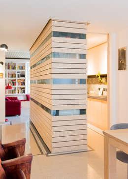 HOUSE #ABC: Sala da pranzo in stile in stile Moderno di VITAE DESIGN STUDIO