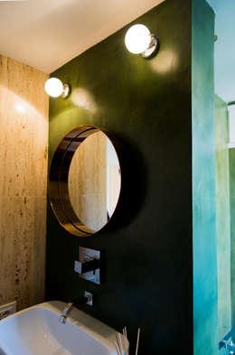 HOUSE #ABC: Bagno in stile in stile Moderno di VITAE DESIGN STUDIO
