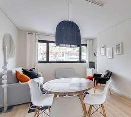 Sala jantar /Sala estar: Salas de estar modernas por Tangerinas e Pêssegos