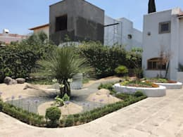 Jardín Matilda: Jardines de estilo ecléctico por Mexikan Curious