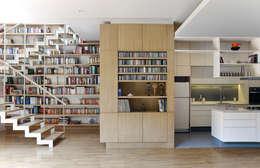 Vestidores y closets de estilo moderno por PAUL CREMOUX studio