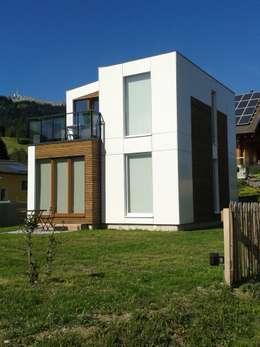 Projekty, nowoczesne Domy zaprojektowane przez cubushome