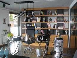 مكتب عمل أو دراسة تنفيذ Gökhan BAYUR