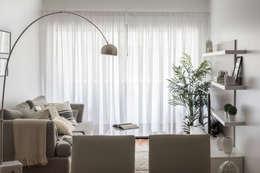 Obra Avalos - Diseño Integral Living comedor: Livings de estilo moderno por Bhavana