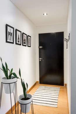 Obra Avalos - Diseño Integral Living comedor: Pasillos y recibidores de estilo  por Bhavana